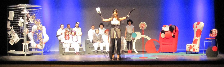 Obra de teatro Bienvenidos al Paraíso del grupo de voluntariado