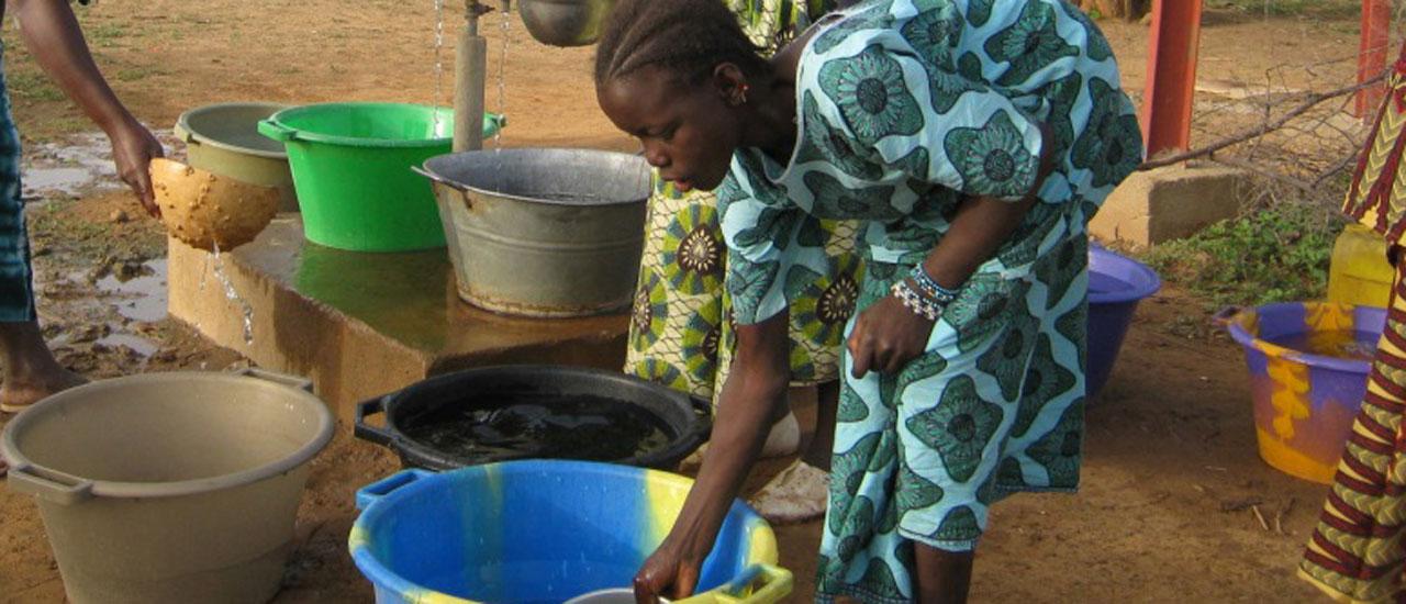 El agua potable, un bien escaso en comunidades rurales de Malí