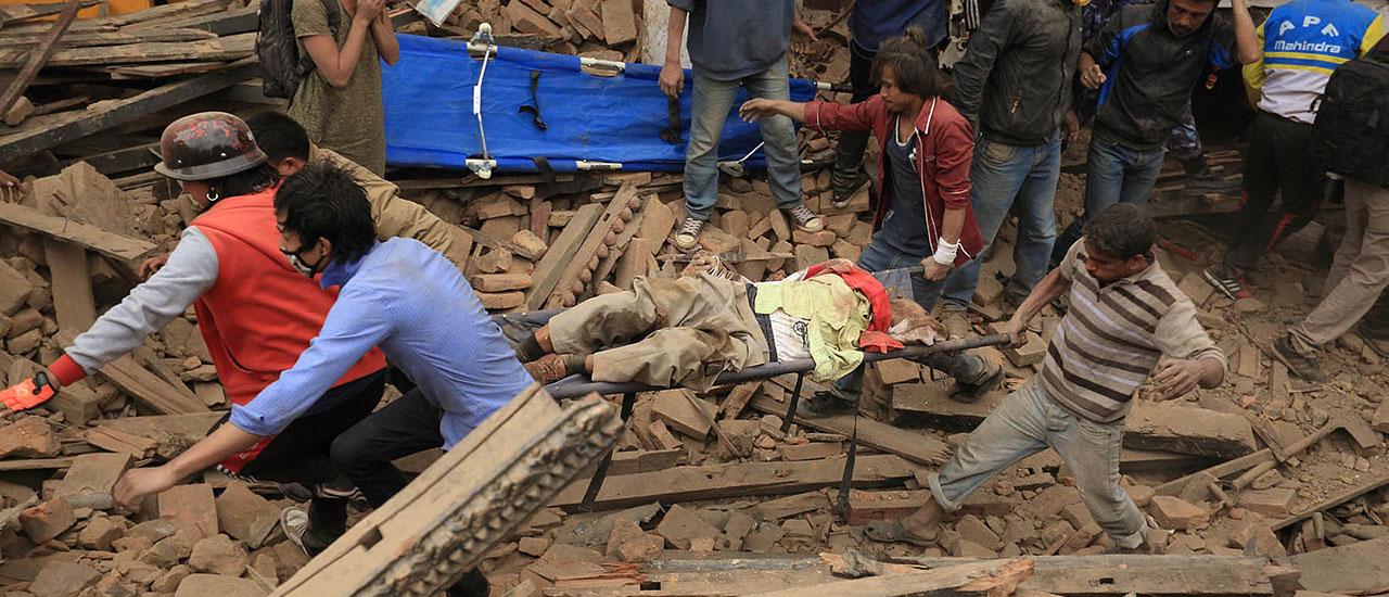 En solidaridad con las víctimas del terremoto de Nepal