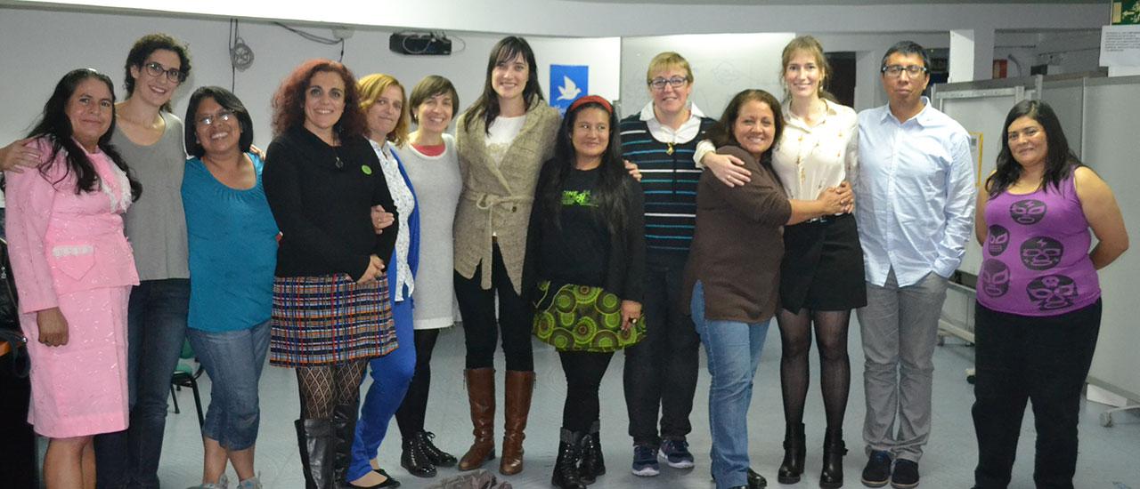 Las Poderosas visitan al Grupo de Teatro Social del Movimiento por la Paz