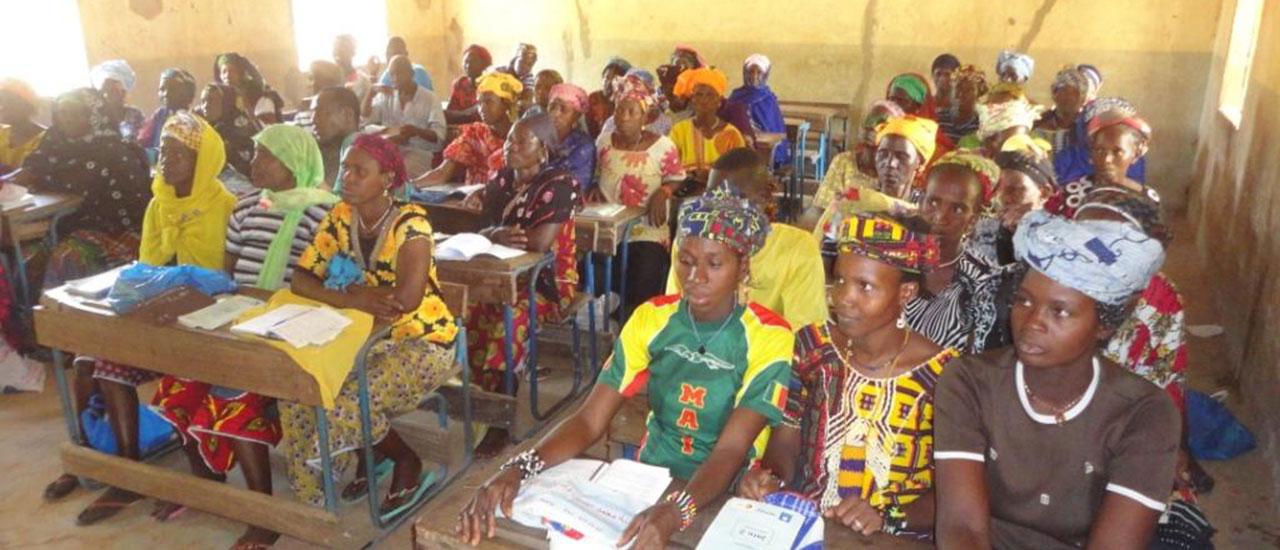 La alfabetización, una herramienta esencial para el desarrollo de las comunidades rurales en Mali